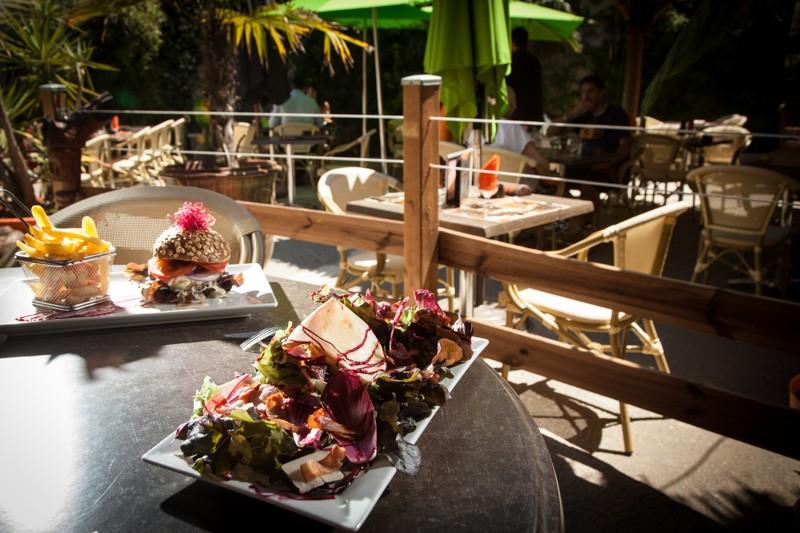 800-px-15-restaurant-le-patio-de-la-mer-2210