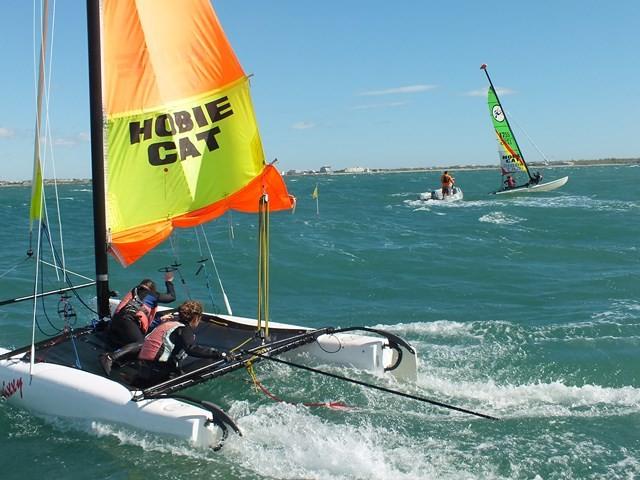 ucpa-le-grau-du-roi-catamarans-2-640x480-1123
