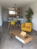 appartement-3-pieces-rive-gauche-piece-principale-vue-mer-thevenon-letsgrau-du-roi-5433