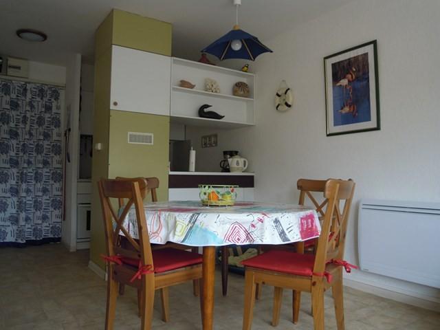appartement-4-personnes-le-grau-du-roi-port-camargue-coin-repas-saint-jean-640x480-1-4136