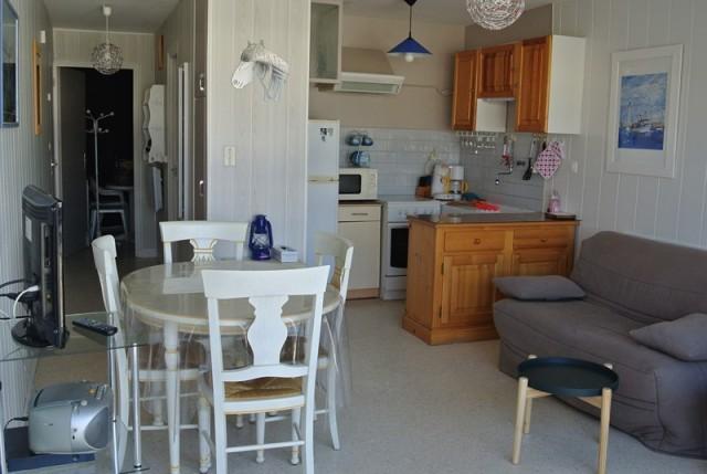appartement-4-personnes-salle-a-manger-eysseric-le-grau-du-roi-port-camargue-4610
