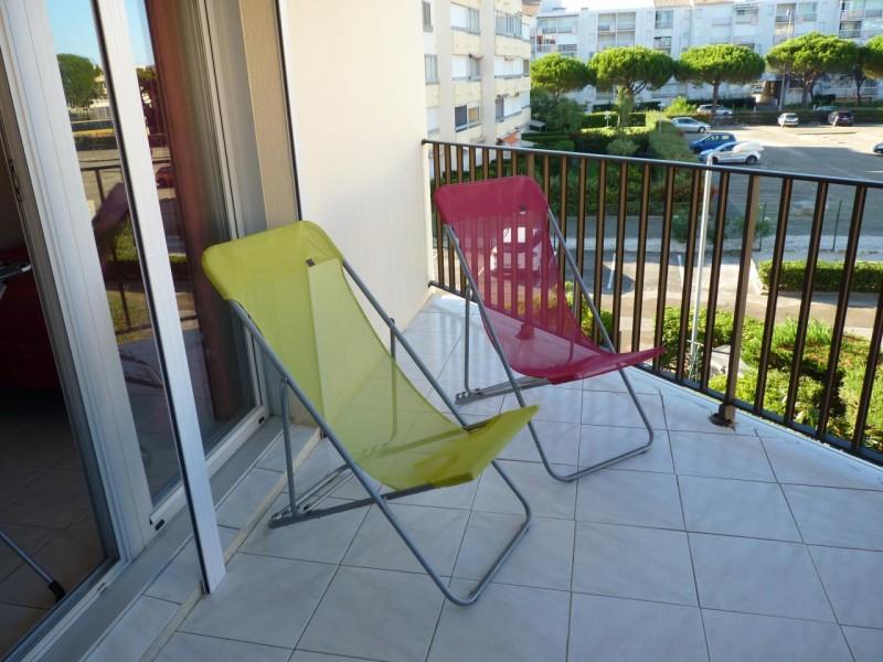 appartement-2pieces-chaises-rive-gauche-butel-legrau-du-roi-4835