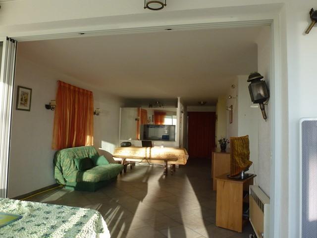 appartement-vue-mer-rive-gauche-canape-lemaire-letsgrauduroi-5437