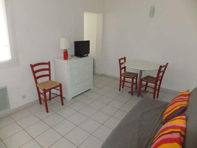 studio-2-personnes-rez-de-chaussee-terrasse-senappe-trevier-640x480-1-3190