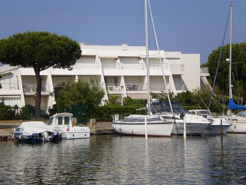 studio-vue-port-balcon-panafieu-le-grau-du-roi-port-camargue-4631